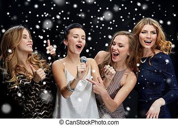 microfone, jovem, feliz, cantando, karaoke, mulheres