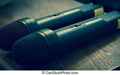 microfones, par
