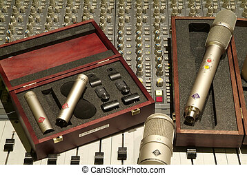 Microphone and mixer - Professional metal microphone with...
