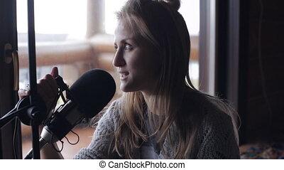 microphone, femme, jeune