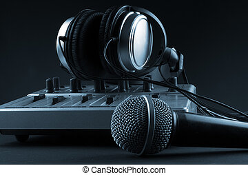 Microphone with mixer and headphones
