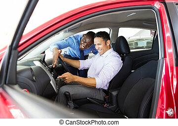 middelbare leeftijd , man, controleren, auto, eigenschappen,...