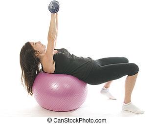 middelbare leeftijd mensen, vrouw, fitness, het uitoefenen, sterkte opleiding, met, dumbbell, gewichten, kern, opleiding, bal