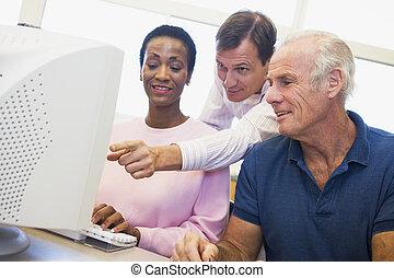 middelbare leeftijd , scholieren, leren, computer,...
