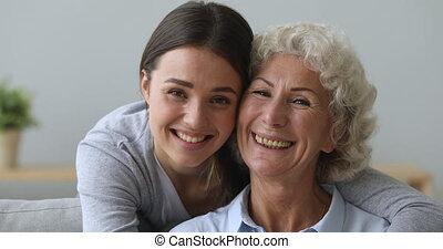 middelbare leeftijd , vrolijke , dochter, grown, het ...