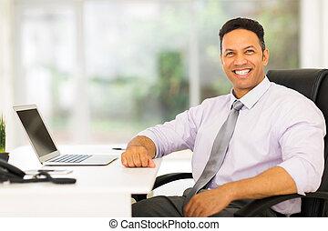 middelbare , zakenman, oud, kantoor, zittende