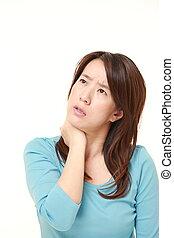 middle aged, 日本 婦女, 遭受, 從, 脖子, 疼痛