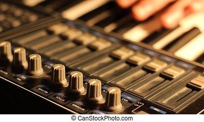 MIDI Music Keyboard Set Up