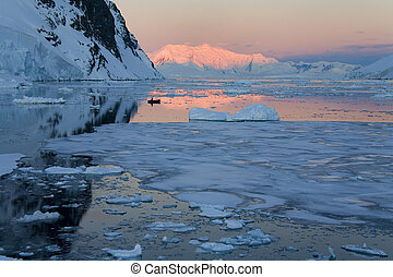 Midnight sun - Lamaire Channel - Antarctic Peninsula - Antarctica