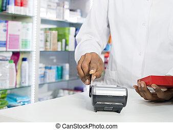 midsection, produ, credito, mientras, tenencia, golpeando, farmacéutico, tarjeta