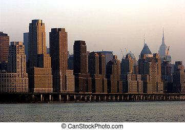 Midtown Manhattan - Henry Hudson parkway and midtown...