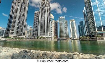 mieszkaniowy, zabudowanie, w, jumeirah, jezioro, wieże, timelapse, w, dubai, uae.