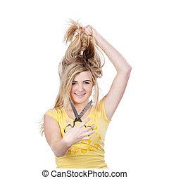 mignon, adolescent, tenue, elle, haut, cheveux, blonds, ciseaux, girl