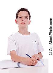 mignon, coup, pensée, garçon, étudier, bureau, isolé, studio, blanc