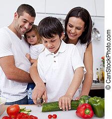 mignon, cuisine famille, ensemble, dans, les