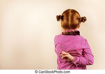 mignon, dos, doigts, élégant, traversé, roux, portrait, girl