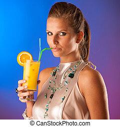 mignon, femme, jeune, cocktail