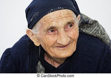 mignon, femme souriante, personnes agées, portrait