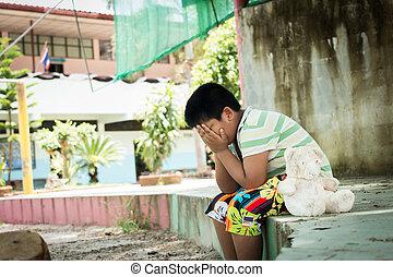 mignon, garçon, parc, asiatique, pleurer, seul