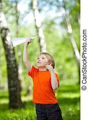 mignon, garçon, parc, papier, tenue, avion