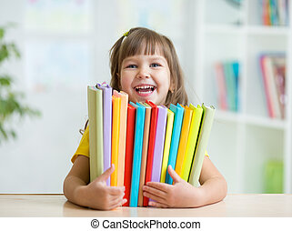 mignon, intérieur, livres, preschooler, girl, gosse