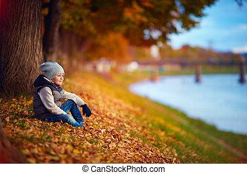 mignon, marche, mode, garçon, parc, automne