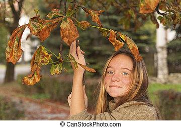 mignon, parc, jeune, automne, portrait, girl