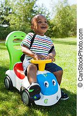 mignon, petit garçon, américain, africaine, bébé, jouer