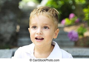 mignon, petit garçon, parc, été