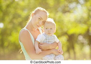 mignon, peu, été, swee, parc, grass., mère, bébé