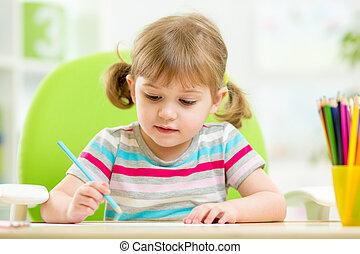 mignon, peu, crayons, girl, coloré, dessin