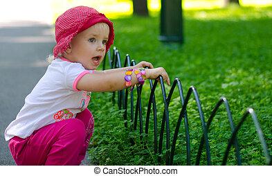 mignon, peu, extérieur, girl, parc