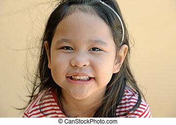 mignon, peu, haut fin, fille souriante