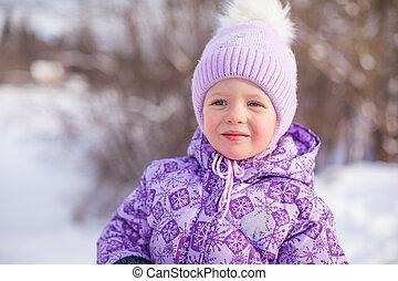 mignon, peu, hiver, ensoleillé, neige, portrait, girl, jour, heureux