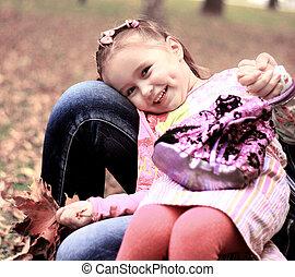 mignon, peu, pré, été, feuilles, jaune, girl, jour, érable