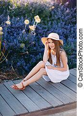 mignon, peu, séance, parc, robe blanche, girl