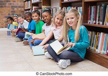 mignon, séance, élèves, bibliothèque, plancher