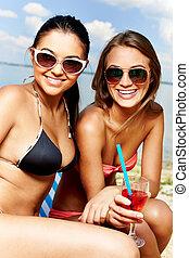 mignon, sunbathers