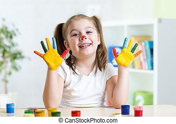 mignon, tableau enfant, elle, mains