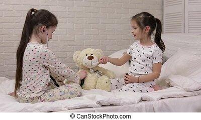 mignon, teddy, docteur, filles, deux, ours, jouer, enfants