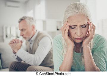 migraine, souffrance, fin, scandale, photo, haut, bruyant, pleurer, désordre, après, époux, triste, aigu, vieux, essayer, elle, dame, calme, bas