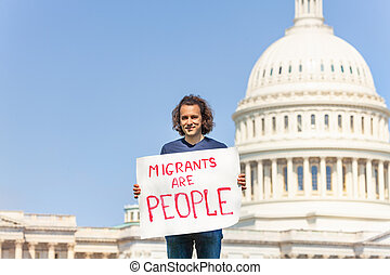 migrants, gens, signe, protestataire, tenant mains