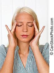 migrena, kobieta, młody, ból głowy