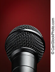 mikrophon, gegen, roter hintergrund