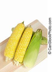 milho doce, fundo branco, amarela