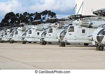 militär helikopter, line-up