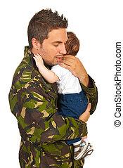 militaer, vati, umarmen, seine, neugeborenes baby