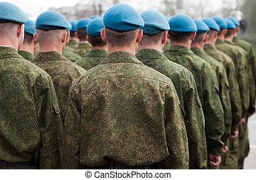 militair eenvormig, soldaat, roeien