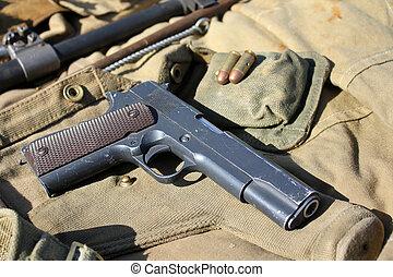 militarna broń, stary
