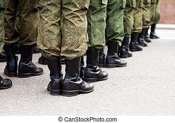 militarny mundur, żołnierz, hałas